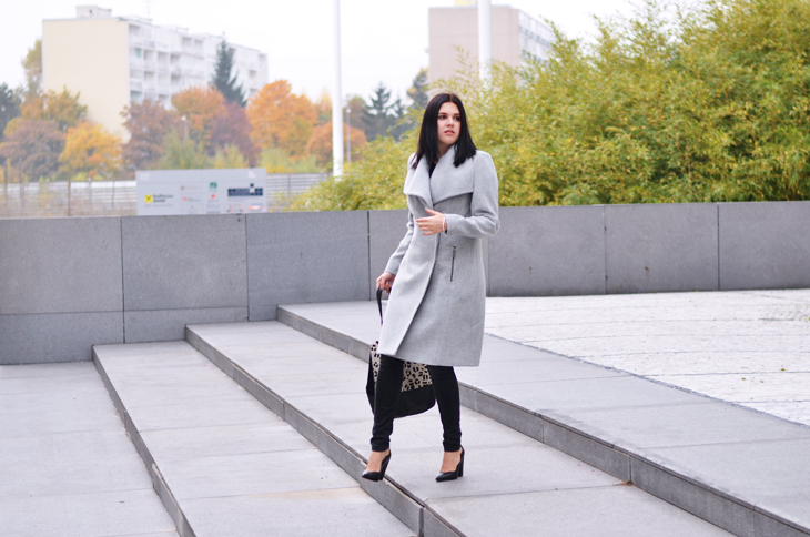Baby blue long coat / Blackish