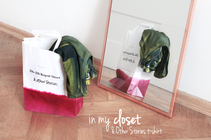 In my closet: & Other Stories T-shirt in green abstract print